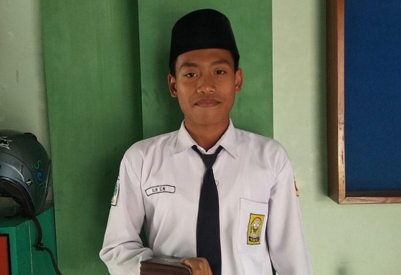 Santriwan SMPIT Smart Cendekia Hafalkan Quran 30 Juz